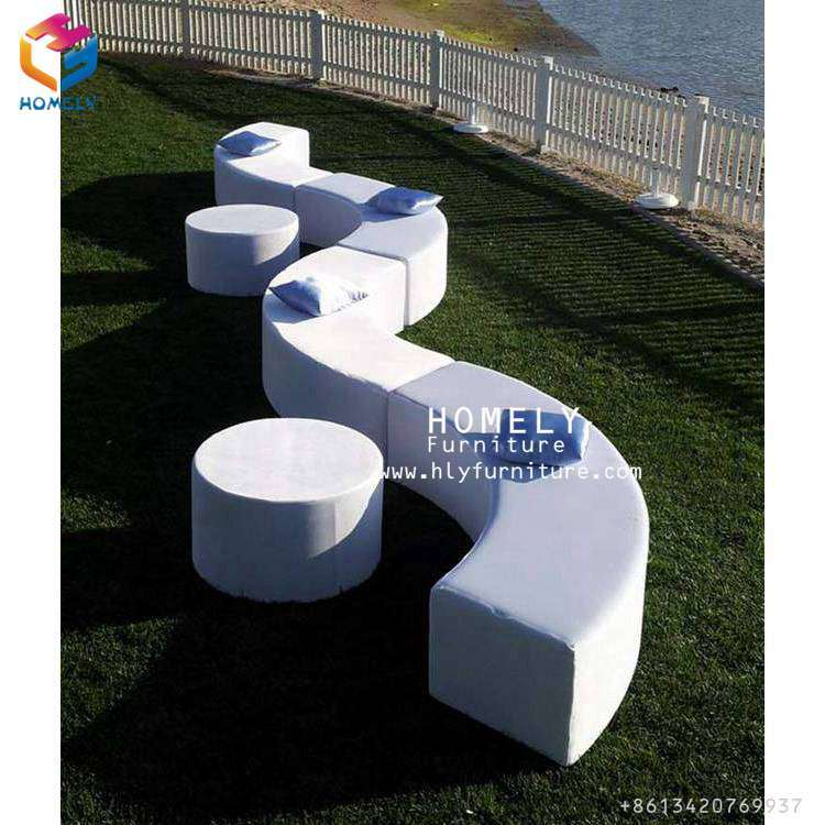 Homely White Outdoor Lasy Garden Wedding Cum Sofa for Sale