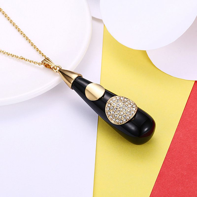 Special Style Fashion Pendant Necklace Resin Pendant Women Necklace