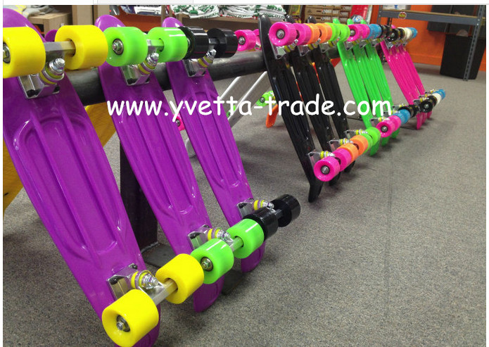 Plastic Skateboard with Hot Selling (YVP-2206-4)