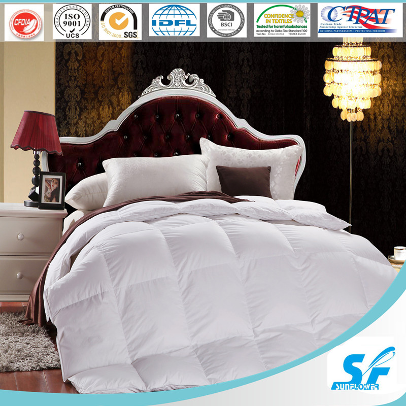 50% Alternative Color Polyester Soft Comforter for Home and Hotel Use