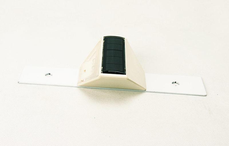 Waterproof LED Arrow Guiding Signs Solar Traffic Warning Guardrail Light