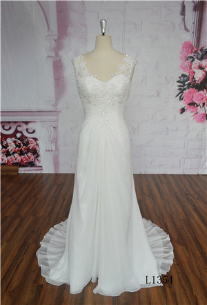Handmade Flowers Elegant Strapless Beaded A Line Chiffon Bridal Gown