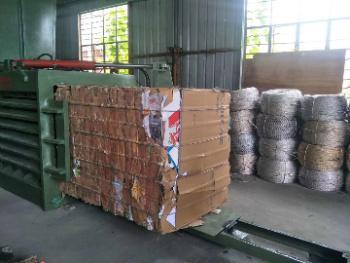 Epm80 PLC Control Manual Belting Horizontal Plastic and Straw Baler