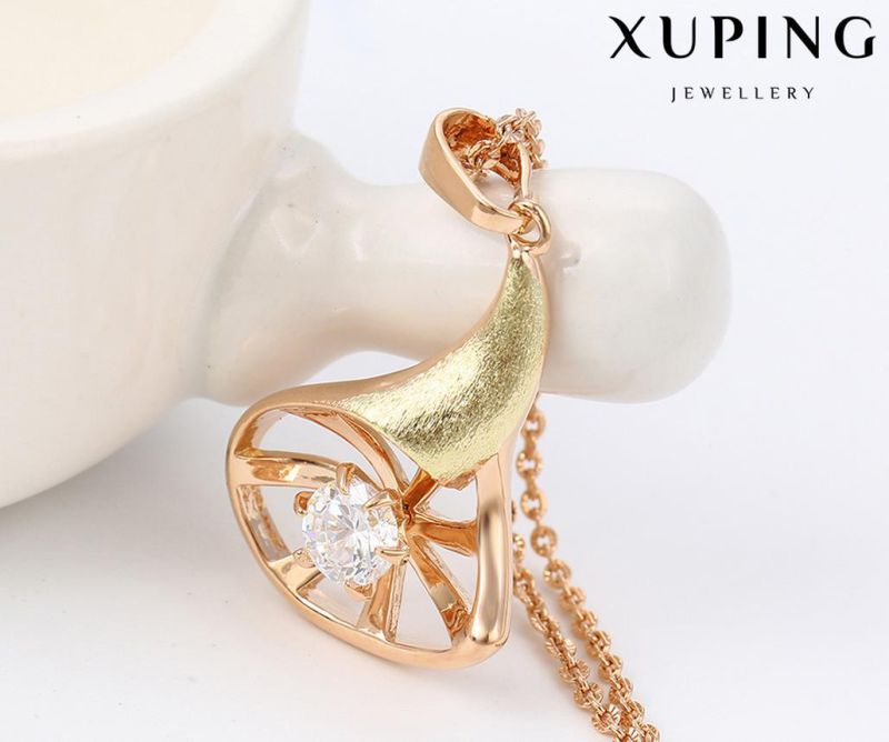 30482 Fashion Charm Cubic Zirconia Jewelry Chain Pendant in Gold-Plated