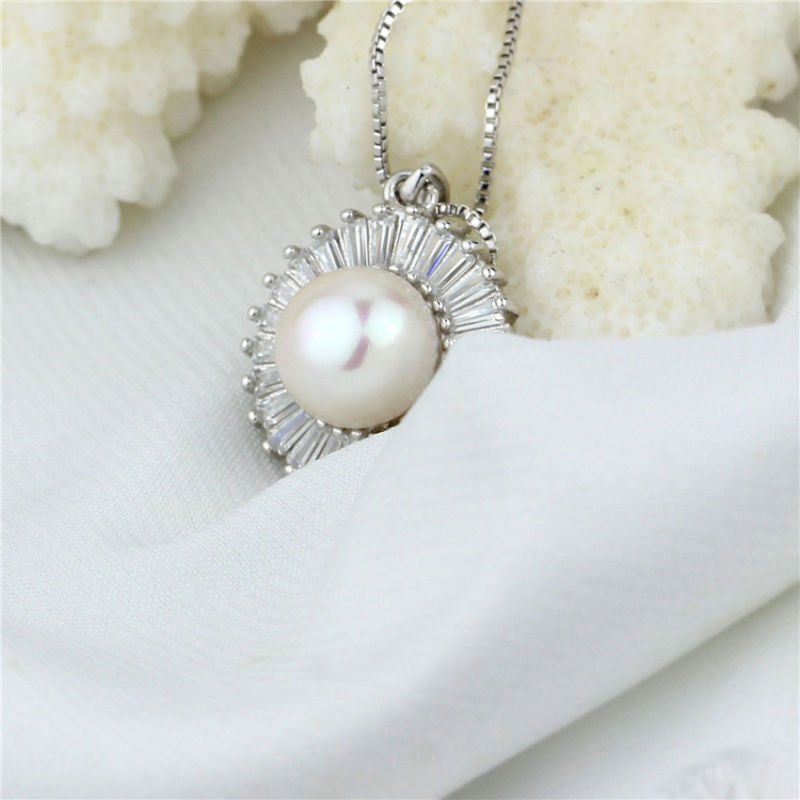 Shining Zircon Beaded Natural Freshwater Pearl Jewelry Pendant