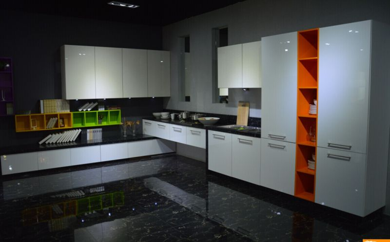 Modern Glossy Wooden Lacqure Painting Kitchen Cabinets with Many Colors to Choose (MOQ 1 set)