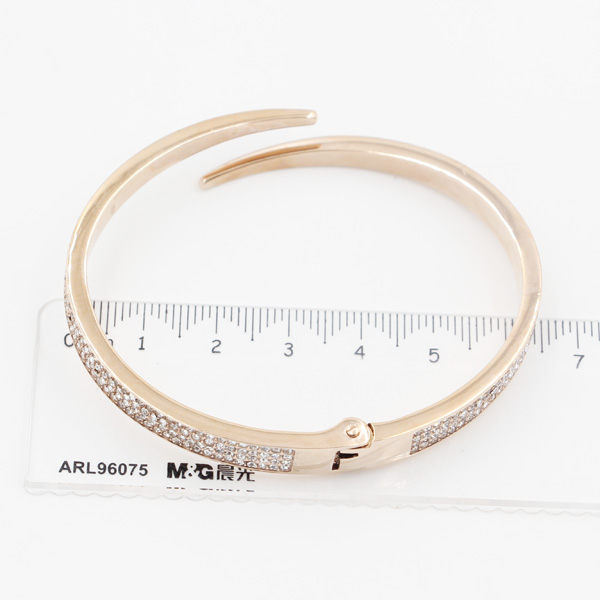 Factory Directly Custom Made Stainless Steel Bangle, Cuff, Bracelet with Zirconia