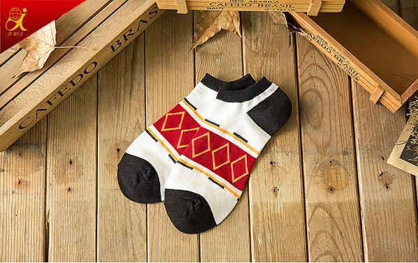 Fashion Pattern Men Cotton Wholesale Custom Socks