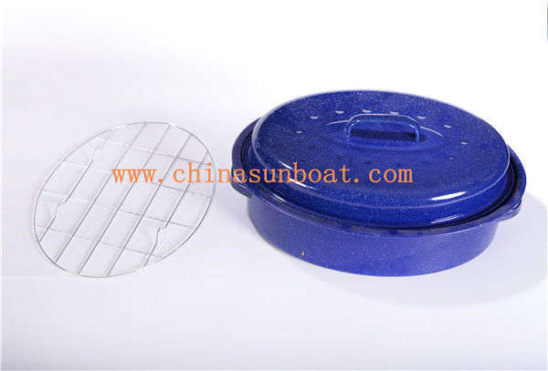 Sunboat Enamel Oval Roaster Kitchenware/ Enamelware