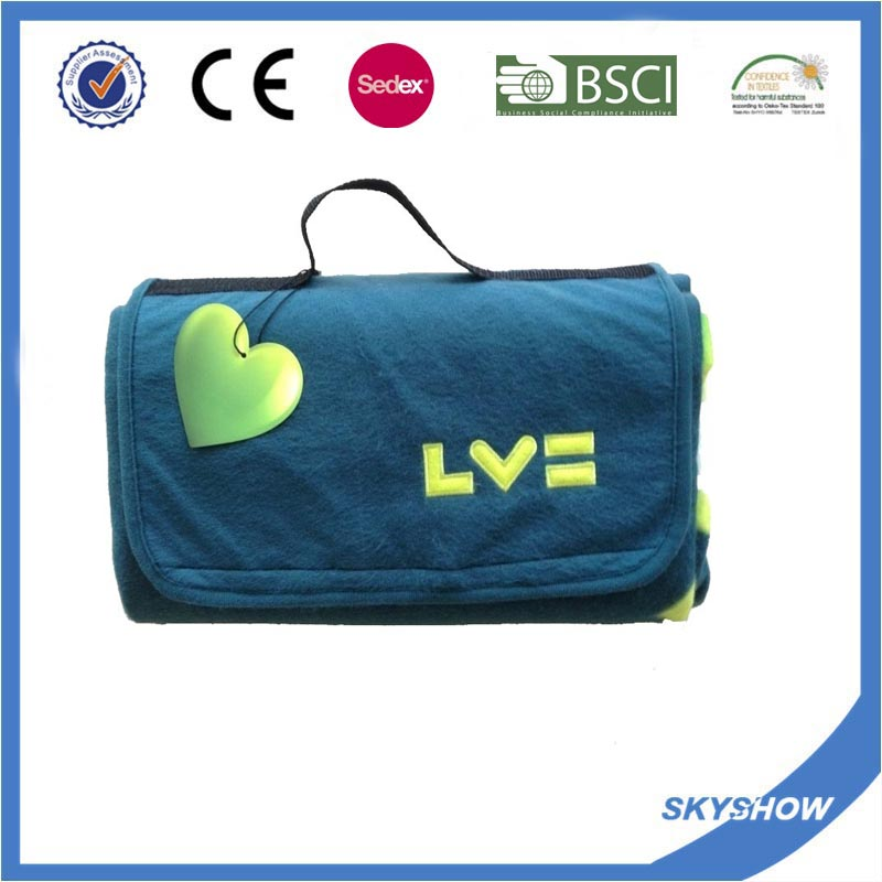 100% Polyester Promotional Comfortable Travel Polar Fleece Blanket with Handle