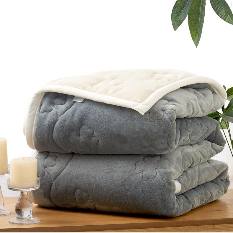 Airline Disposable Fleece Quilt