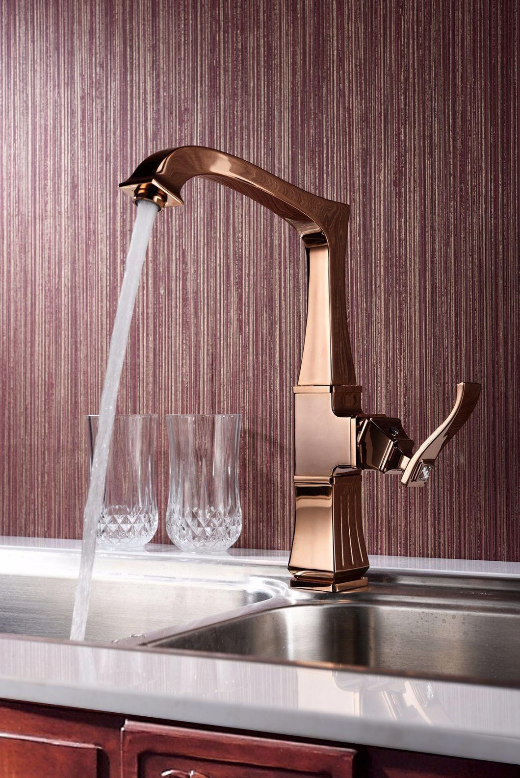 2018 Deck Mounted Ce Bathroom Washing Brass Faucet Mixer Basin Faucet in Guangzhou