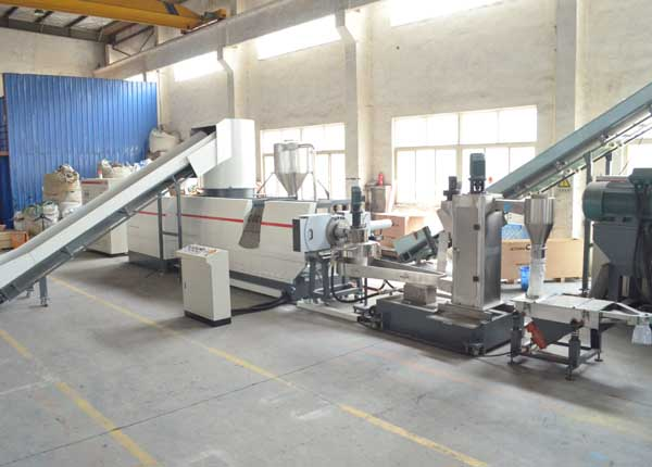 Ml75 PLC Control PP, PE Film Pelletizing Line Plastic Recycling Machinery