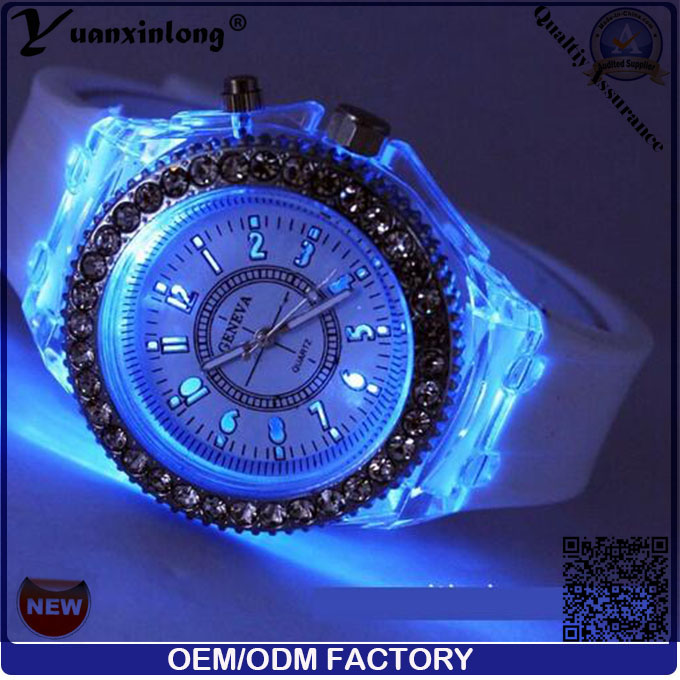 Yxl-697 Fashion Watches Men Women Watch Popular LED Light Silicone Strap Round Dial Lover Quartz LED Watch