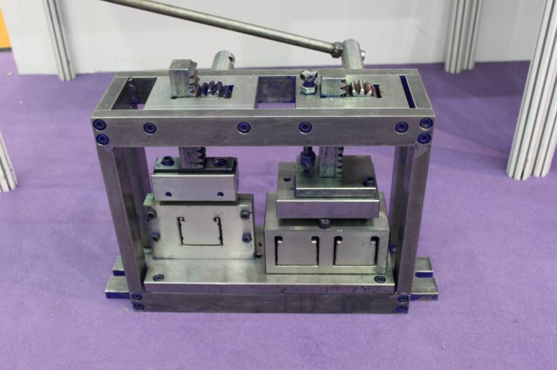 Wooden Blinds Headrail Punching & Cutting Machine (SGD-M-1005)