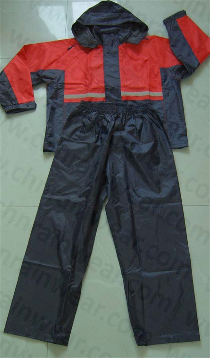 100% Polyester/PVC Coated Waterproof Outdoor Rainsuit / Rain Suit