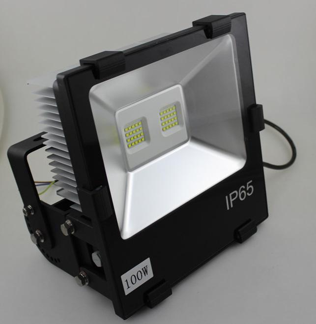 Philipe 3030 LED 85-240V IP65 120W LED Outdoor Floodlight