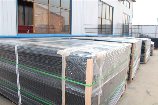PVC Coated Security Electro Galvanized Welded Steel Wire Mesh Garden Fence