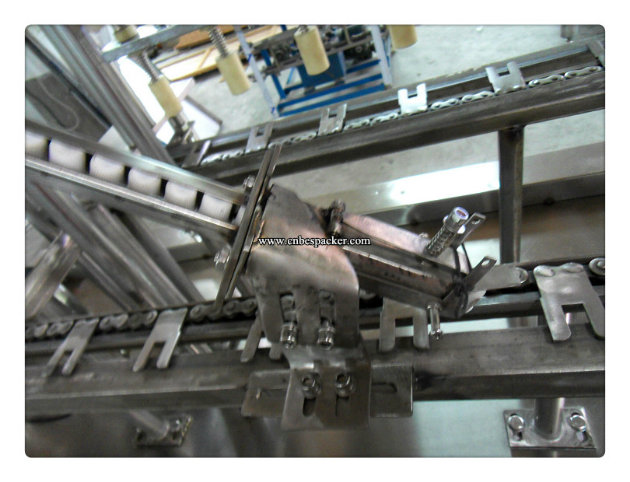 Automatic Stand up Pouch Filling Machine Capping Machine