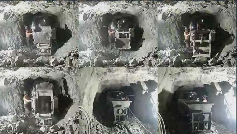 Underground Mucking Machine Pneumatic Mine Ore Muck Shovel Loader Zq-26