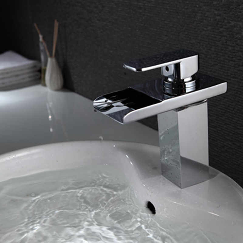 New Design Waterfall Basin Faucet with LED