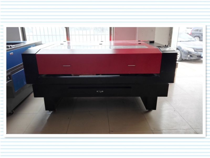 Professional Laser Cutting Machine for Garment From China
