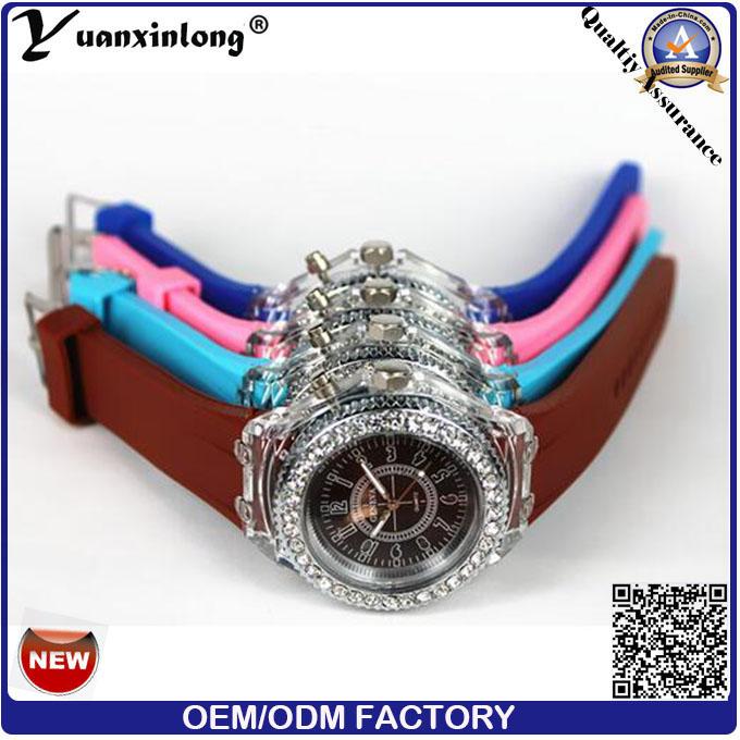 Yxl-703 2015 New Fashion Geneva Silicone Diamond Wristwatch Colorful Lights LED Luminous Quartz Watches