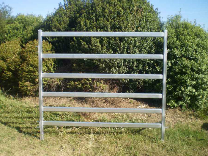 2016 Hot Sale 1.8X2.1m Portable Cattle Yard Panels