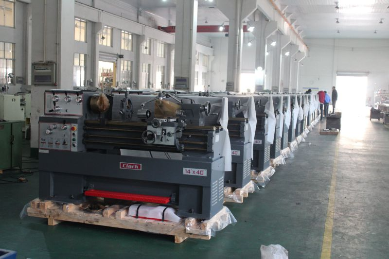 Centre Length 1000mm Bench Heavy Lathe Machines (GH1440K)