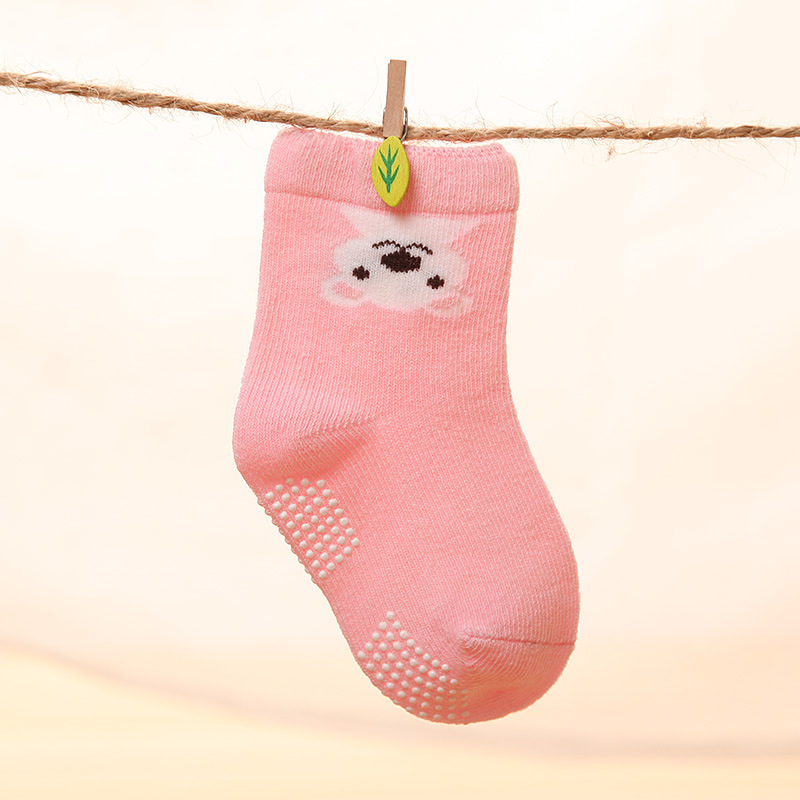 Cute Cartoon Kid Cotton Socks with Anti-Slip Dots Wholesale Good Quality and Competitive Price