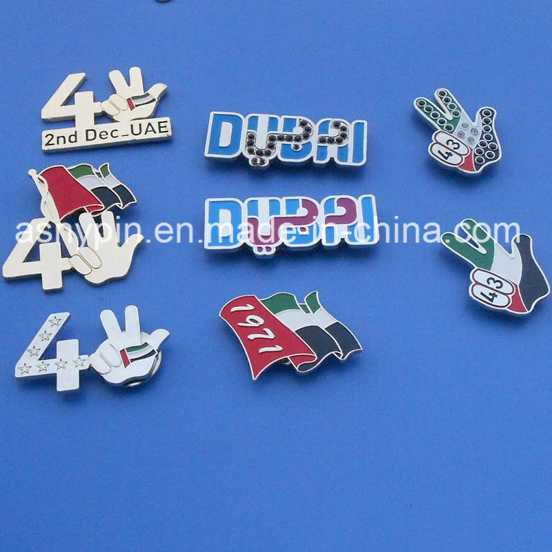 Metal UAE Victory Hand Shape Gold Badges Souvenir
