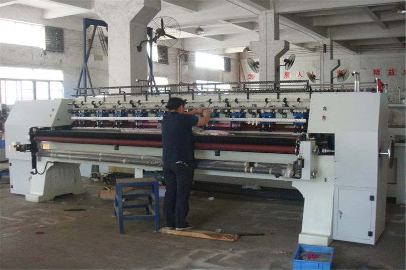 Multi Needle Quitling Machine for Quilting Comforter, Quilts, Garments with Ce ISO