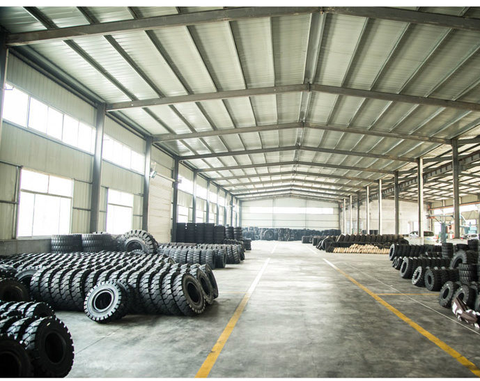 High Rubber Content 7.00-12 Forklift Tire, Industrial Pneumatic Tyre 7.00-12