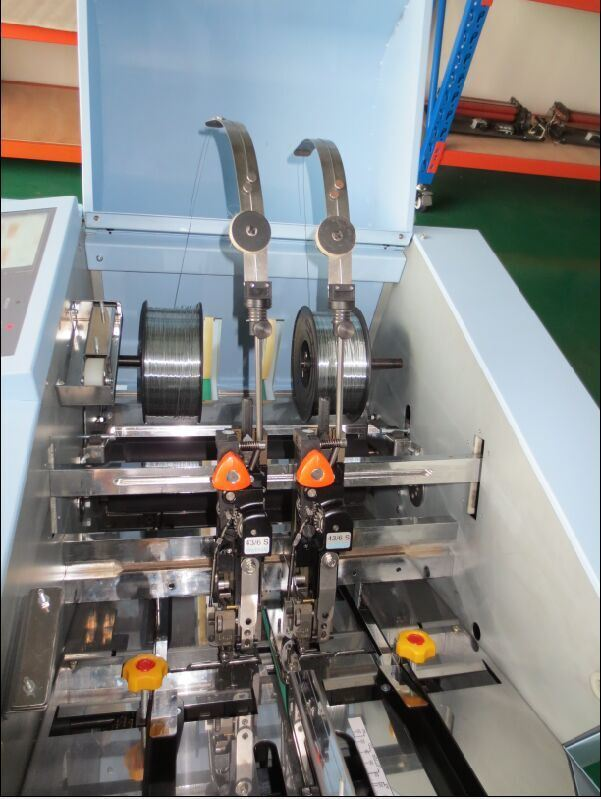 Butterfly Binding and Folding Machine /Booklet Maker (HS06)