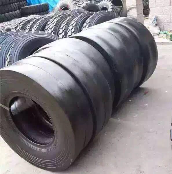Tyre for Road Roller, 11.00-20 9.5/65-15, OTR Tyre C-1 Pattern, Bomag Roller Tyres