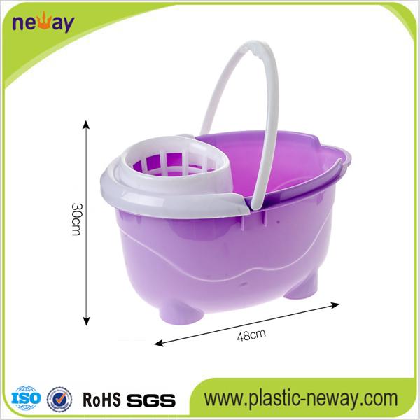 New Design Squeeze Plastic Mop Bucket with Wheels