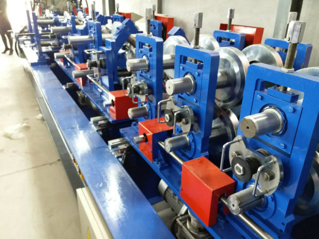Automatic C Shape Purling Roll Forming Machine