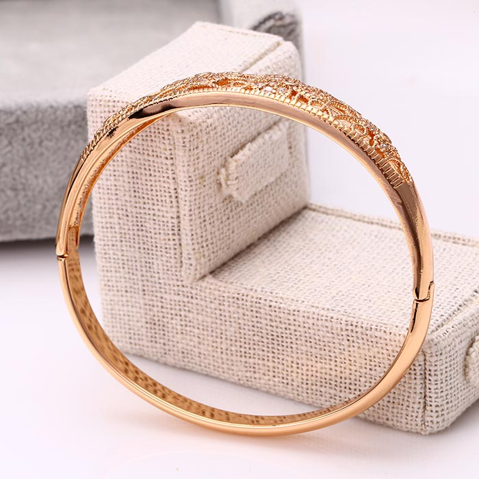 50914 Fashion Elegant 18k Gold-Plated CZ Imitation Alloy Copper Jewelry Bangle for Women