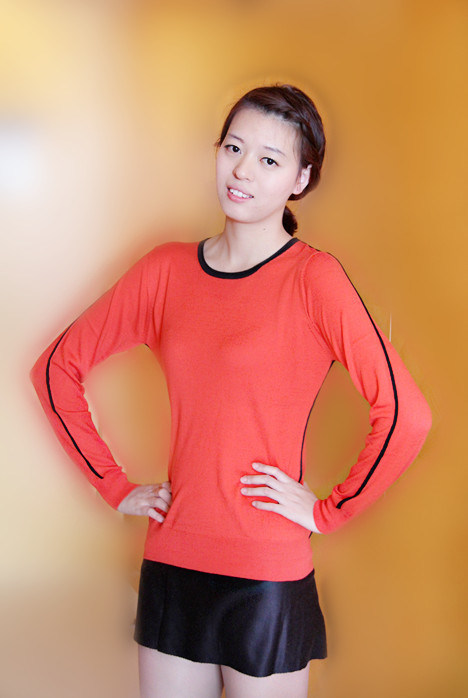 Ladies Cashmere Crew Neck Pullover with Side Lines