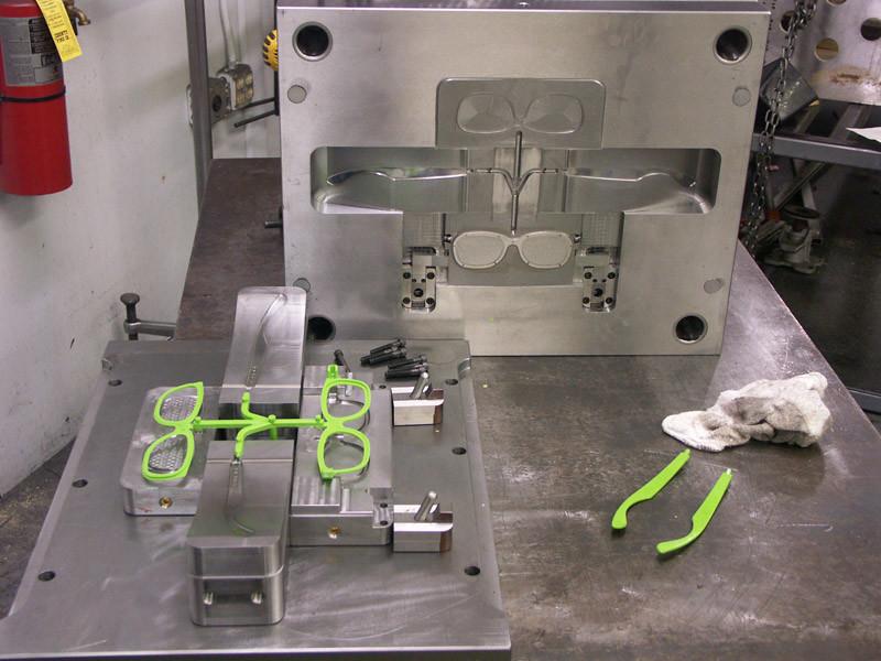Plastic Sunglasses Frame Mould Manufacturer