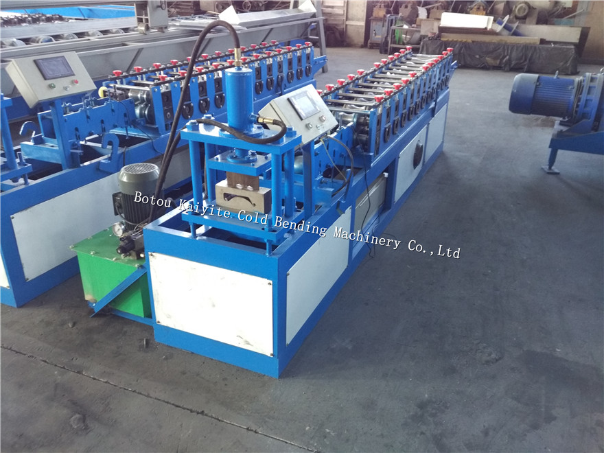 Gear Drive Roller Shutter Door Strip Roll Forming Machine