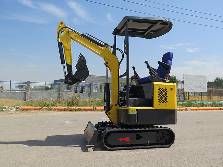 1200Kg mini excavator equipment Yanmer engine pilot control and swing boom