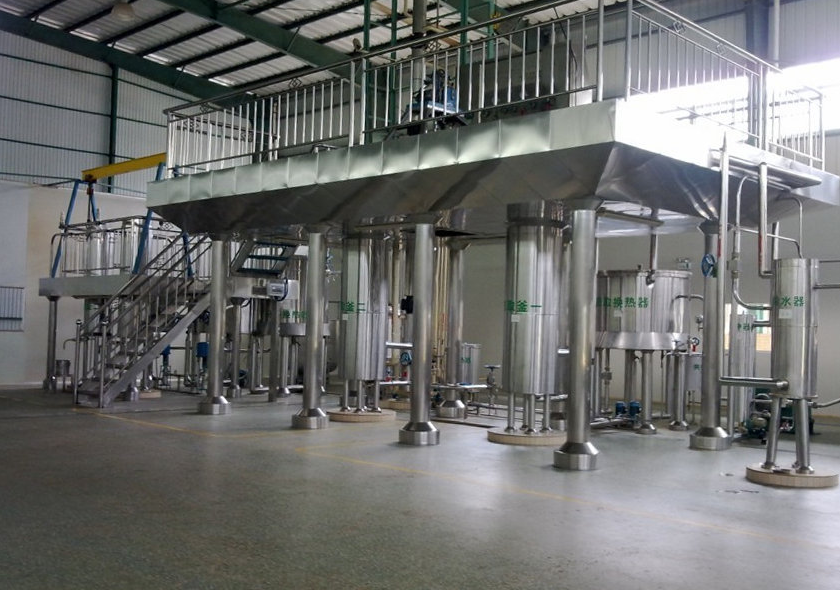 Steam distillation equipment