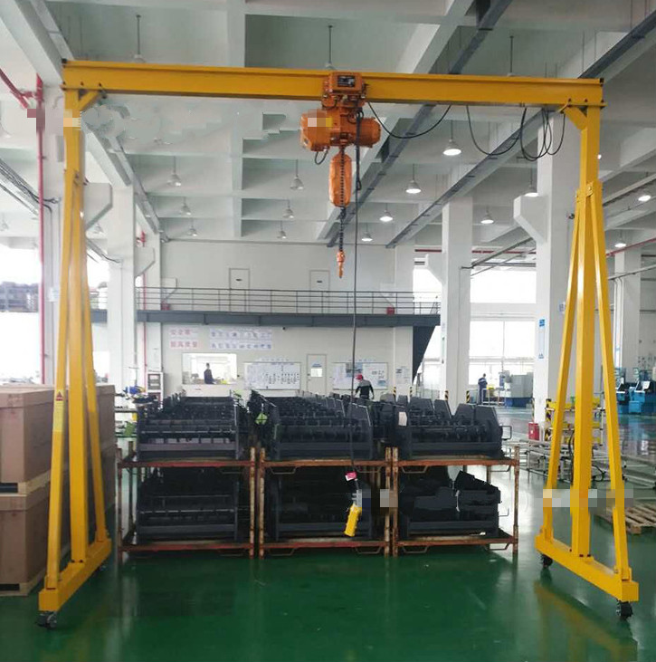 Mobile mini gantry crane