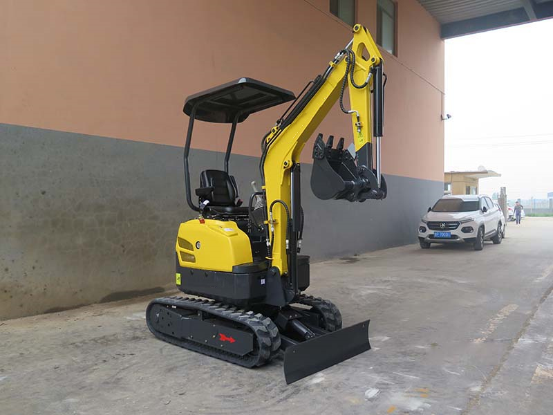 1600kg mini excavator equipment Yanmar engine and pilot control
