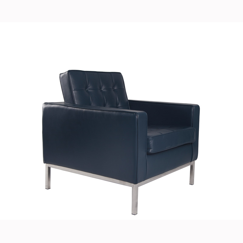 Classic Knoll Sofa in Leather