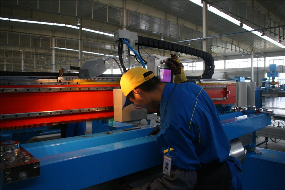 Solar water heater production line (11)