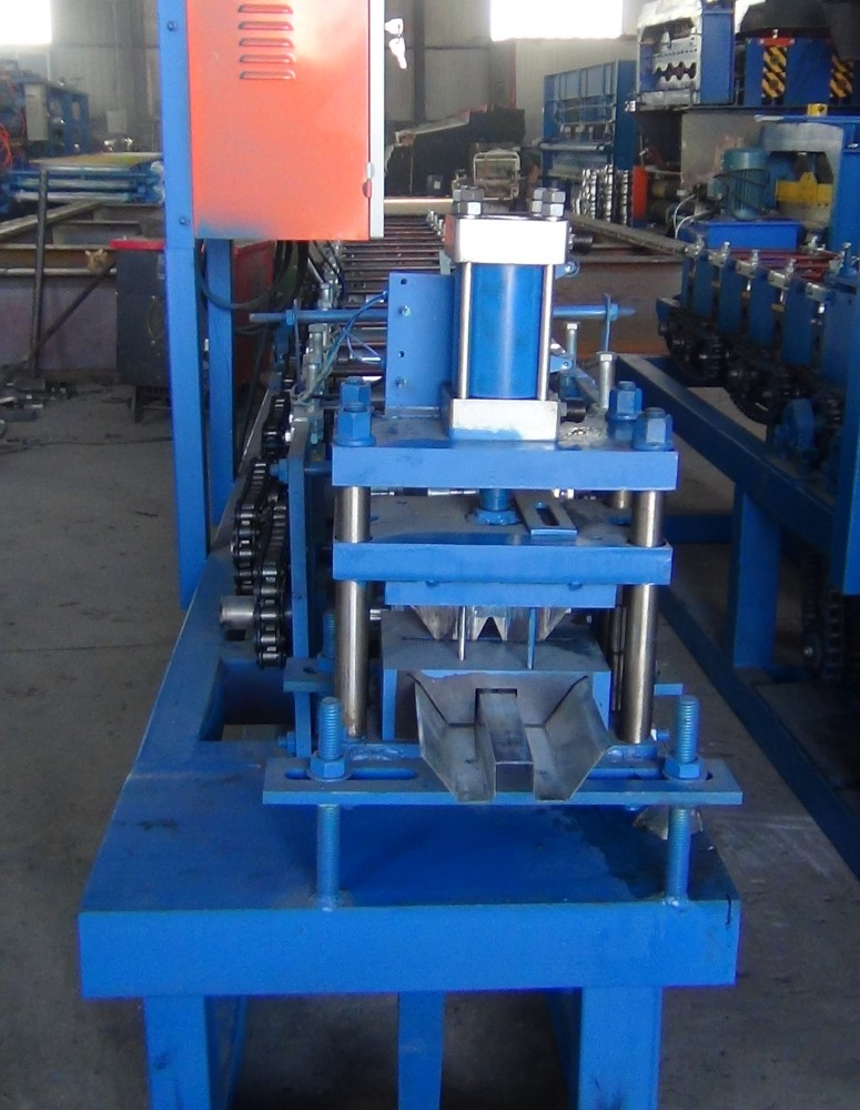 W Keel Roll Forming Machine