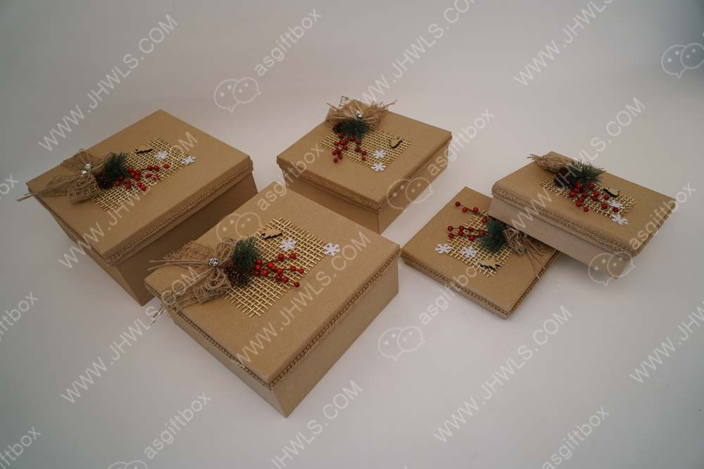 Hand-made Pine Branch Christmas Gift Box