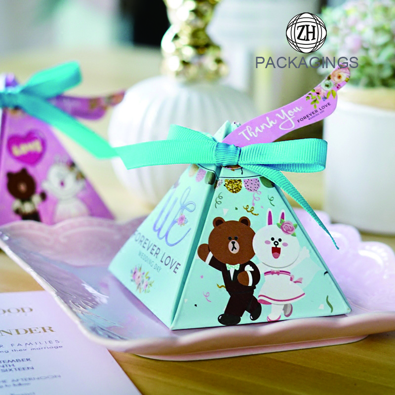 Pyramidal wedding candy gift paper box with ribbon
